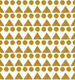 Bakgrund med trianglar och cirklar av guld- blänker, den sömlösa modellen Arkivfoton