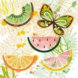 Bakgrund med tropiska frukter och fjärilen Royaltyfri Bild
