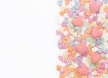Bakgrund på valentin dag av kulöra hjärtor Fotografering för Bildbyråer