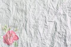 Bakgrund skrynkligt papper med steg Arkivfoto