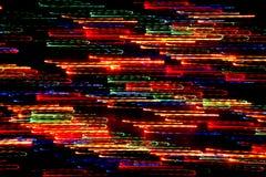 Bakgrund, textur, ljus abstrakt modell i olika linjer för en färg, band och fläckar på en svart bakgrund, neon Fotografering för Bildbyråer
