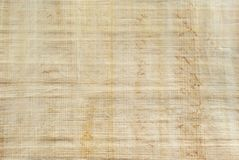 Bakgrund textur: yttersida av den naturliga egyptiska papyruset Arkivfoton