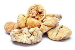 bakgrund torkade figs isolerade white Arkivbild