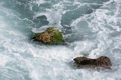 Bakgrund vaggar havet Arkivbild