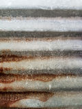 Bakgrunden/texturen för gammal zink den rostiga Royaltyfria Bilder
