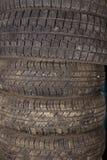 bakgrundsbildesignen tires vektorn Förbereda bilen för vintern Royaltyfri Fotografi