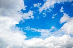 bakgrundsbluen clouds skyen Naturlig skysammansättning naturlig sky för sammansättning element för klockajuldesign fotografering för bildbyråer