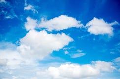 bakgrundsbluen clouds skyen Naturlig skysammansättning naturlig sky för sammansättning element för klockajuldesign arkivfoton