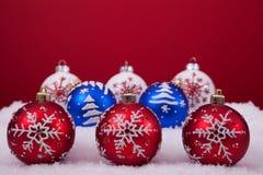 bakgrundsbolljul över red Royaltyfri Foto
