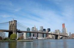 bakgrundsbro brooklyn manhattan Fotografering för Bildbyråer