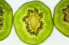 bakgrundsclosefrukt isolerade kiwien över övre white Royaltyfri Fotografi