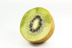 bakgrundsclosefrukt isolerade kiwien över övre white Fotografering för Bildbyråer