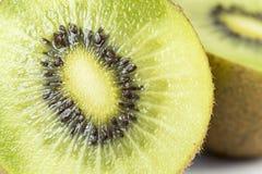 bakgrundsclosefrukt isolerade kiwien över övre white Royaltyfria Bilder