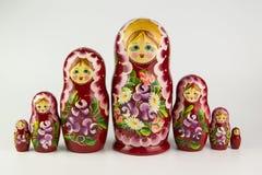 bakgrundsdockor som bygga bo white för russia rysssouvenir Royaltyfria Foton