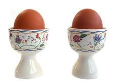 bakgrundseaster ägg isolerade white Arkivbilder