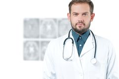 bakgrundskameradoktorn isolerade att se male s-stetoskopwhite Sjukvård Royaltyfri Bild