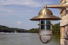 bakgrundskula som kallar sunen för lampa för dagörtlampa royaltyfria foton