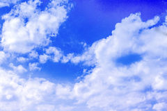 Bakgrundsmoln för blå himmel Fotografering för Bildbyråer