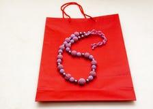 bakgrundspåsen beads papper Royaltyfria Bilder
