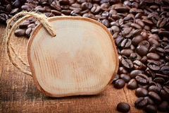 Bakgrundsram- och kaffebönor Royaltyfri Fotografi