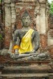 bakgrundstegelstenbuddha sten Arkivfoton