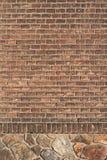 bakgrundstegelstenvägg Arkivfoto