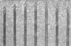 Bakgrundstextur av galvaniserade stålportar med metalldetaljer royaltyfri bild