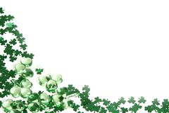 bakgrundsväxt av släkten Trifoliumshamraocks Arkivbild