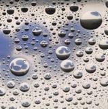 bakgrundswaterdrop Arkivfoton