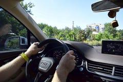 Bakhmut Ukraina, September 2018 Audi bil på stadsgatan royaltyfri foto