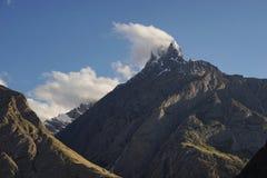 Bakhor Das在喀喇昆仑山脉范围, K2艰苦跋涉,巴基斯坦的山峰 免版税库存图片