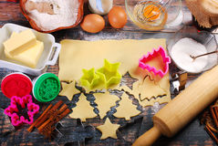 Baking christmas cookies Royalty Free Stock Images