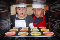 Baking muffins Royalty Free Stock Photos