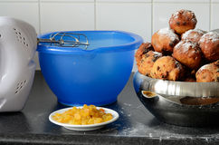 Baking oliebollen Royalty Free Stock Photo