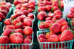 Bakjes van aardbeien Stock Fotografie