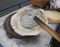 Bakkend Kernachtig Kao Kreap Wao, Thaise traditionele snack stock afbeeldingen