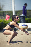 bakker De Toernooienvrouwen van het strandvolleyball Plaats: Ostia, Rome Italië stock foto