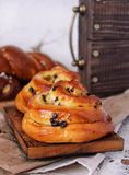 Bakkerijbroodjes Zoete Gebakjes Ambachtachtergrond Royalty-vrije Stock Foto's