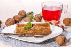 Baklava με τα καρύδια και το μέλι Στοκ εικόνα με δικαίωμα ελεύθερης χρήσης