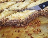 Baklava cięcie, tradycyjny midle wschodu cukierki Obrazy Stock