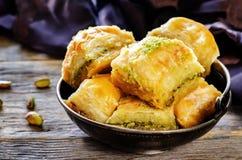 Baklava med pistaschen Turkisk traditionell fröjd Arkivbild