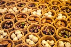 baklava Türkische traditionelle Bonbons Lizenzfreie Stockfotos