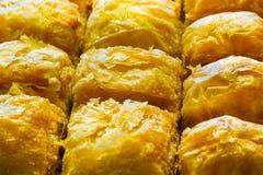 Baklava turco con el fistigi de Antep y el cierre dulce de la macro del cacahuete del jarabe para arriba Imagen de archivo libre de regalías