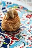 Baklava - turkisk efterrätt med pistaschen Royaltyfri Foto