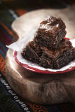 Baklavastücke mit Kakao stockbilder