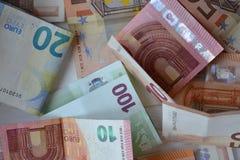 Baknotes денег евро 20 50 100 евроец евро 500 валют 5000 рублевок картины дег счетов предпосылки Стоковое Изображение RF