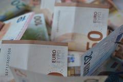 Baknotes денег евро 20 50 100 евроец евро 500 валют 5000 рублевок картины дег счетов предпосылки Стоковое Изображение