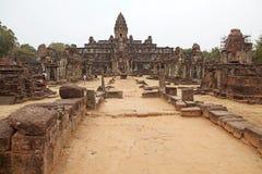 Bakong寺庙废墟 免版税库存照片