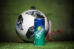 BAKOU, AZERBAÏDJAN - 1ER JUILLET 2018 : Concept créatif Boule 2018 du football de coupe du monde de la Russie de fonctionnaire Ad Images libres de droits