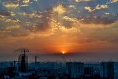 Bakou, Azerbaïdjan - 18 juillet 2018 : Horizon de Baku City avec les gratte-ciel urbains au coucher du soleil, Azerbaïdjan photographie stock